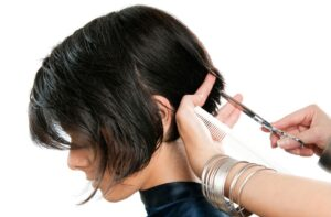 Helpful hair tips to hide hair loss for women